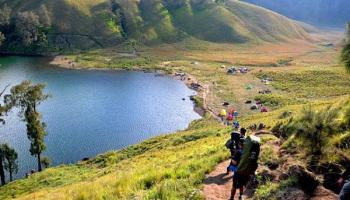 Semeru Volcano Trekking – Bromo Sunrise Tour